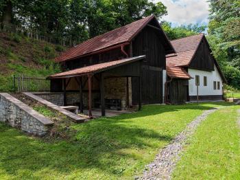 Obytná část - Prodej domu v osobním vlastnictví 196 m², Trstěnice