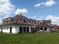 Prodej domu v osobním vlastnictví 550 m², Šestajovice