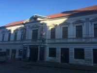 Pohled z ulice (Pronájem restaurace 211 m², Kostelec nad Černými lesy)