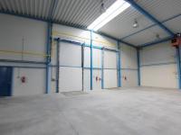 vjezdová vrata 2x (Prodej komerčního objektu 2311 m², Jirny)