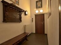 Předsíň (Prodej bytu 4+1 v osobním vlastnictví 174 m², Praha 6 - Bubeneč)