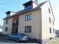 čelní pohled na dům (Prodej bytu 4+kk v osobním vlastnictví 83 m², Velké Popovice)