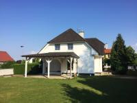 Pohled na RD (Prodej domu v osobním vlastnictví 351 m², Praha 9 - Klánovice)