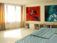 ložnice 1 (Prodej domu v osobním vlastnictví 448 m², Šestajovice)