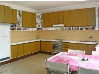 kuchyně (Prodej domu v osobním vlastnictví 448 m², Šestajovice)