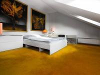 ložnice 2 (Prodej domu v osobním vlastnictví 448 m², Šestajovice)