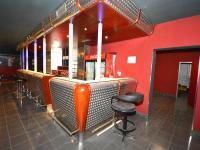 Bar - Pronájem obchodních prostor 580 m², Praha 9 - Horní Počernice