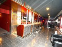 Bar (Pronájem obchodních prostor 580 m², Praha 9 - Horní Počernice)