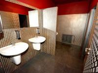 WC (Pronájem obchodních prostor 580 m², Praha 9 - Horní Počernice)