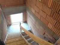 Schodiště (Prodej domu v osobním vlastnictví 560 m², Zlosyň)
