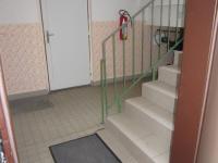 chodba dům  (Prodej bytu 2+1 v osobním vlastnictví 56 m², Hradec Králové)