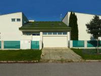 Prodej komerčního objektu 448 m², Šestajovice
