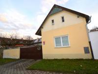 Prodej domu v osobním vlastnictví 160 m², Praha 9 - Horní Počernice