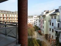 pohled z malé lodžie (Pronájem bytu 2+kk v osobním vlastnictví 68 m², Praha 6 - Dejvice)