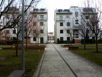 dvůr s parkovou úpravou (Pronájem bytu 2+kk v osobním vlastnictví 68 m², Praha 6 - Dejvice)