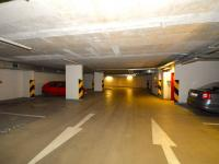 Garáž (Pronájem garážového stání 20 m², Praha 9 - Vysočany)