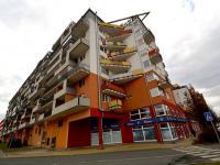Budova (Pronájem garážového stání 20 m², Praha 9 - Vysočany)