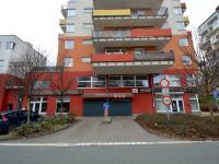 Vjezd (Pronájem garážového stání 20 m², Praha 9 - Vysočany)