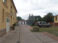 Areál a parkování - Pronájem kancelářských prostor 80 m², Jirny