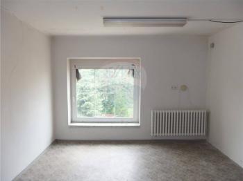 Pohled na nebytový prostor č,2 - Pronájem komerčního objektu 80 m², Jirny