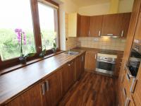 Kuchyně (Prodej domu v osobním vlastnictví 137 m², Klučov)
