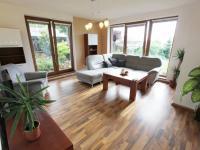 Obývací pokoj (Prodej domu v osobním vlastnictví 137 m², Klučov)