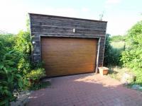 Garáž pro 1 vůz (Prodej domu v osobním vlastnictví 137 m², Klučov)