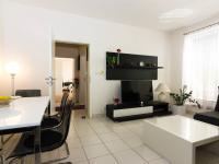 obývací pokoj (Prodej bytu 3+kk v osobním vlastnictví 107 m², Praha 9 - Kyje)