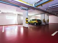parkovací stání v garáži (Prodej bytu 3+kk v osobním vlastnictví 107 m², Praha 9 - Kyje)