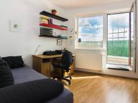 pracovna se vstupem na terasu (Prodej bytu 3+kk v osobním vlastnictví 107 m², Praha 9 - Kyje)