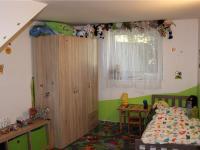Pokoj v 1. NP - Prodej domu v osobním vlastnictví 95 m², Praha 5 - Lahovice