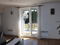 Vstup na terasu z obývacího pokoje - Prodej domu v osobním vlastnictví 95 m², Praha 5 - Lahovice