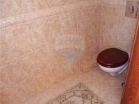 Samostatné WC (Prodej domu v osobním vlastnictví 213 m², Šestajovice)