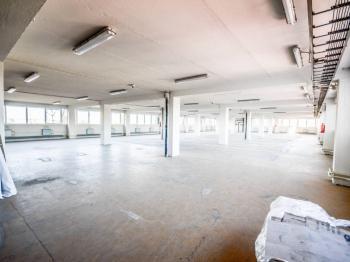 Pronájem obchodních prostor 580 m², Praha 9 - Horní Počernice
