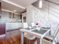 Prodej bytu 3+kk v osobním vlastnictví 100 m², Praha 9 - Kyje