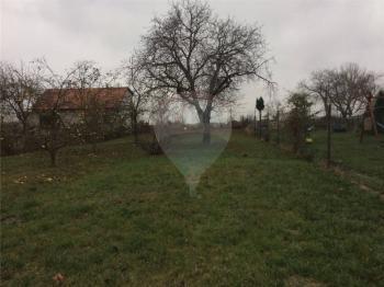Prodej pozemku 5158 m², Praha 9 - Běchovice