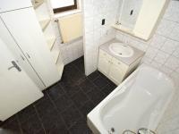Koupelna - Prodej domu v osobním vlastnictví 100 m², Chlumec nad Cidlinou