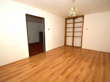 Ložnice - Prodej domu v osobním vlastnictví 100 m², Chlumec nad Cidlinou