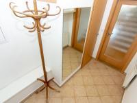 zádveří - Pronájem domu v osobním vlastnictví 104 m², Praha 9 - Újezd nad Lesy