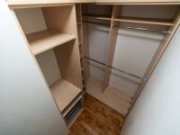 Šatna - Prodej domu v osobním vlastnictví 140 m², Zeleneč