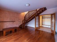 Schodiště - Prodej domu v osobním vlastnictví 140 m², Zeleneč