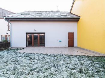 Terasa - Prodej domu v osobním vlastnictví 140 m², Zeleneč