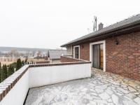 Balkon - Prodej domu v osobním vlastnictví 307 m², Praha 9 - Horní Počernice