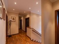 Hala - Prodej domu v osobním vlastnictví 307 m², Praha 9 - Horní Počernice