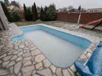 Bazén - Prodej domu v osobním vlastnictví 307 m², Praha 9 - Horní Počernice