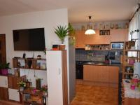 Pohled do kuchyně - Prodej bytu 4+1 v osobním vlastnictví 68 m², Čelákovice