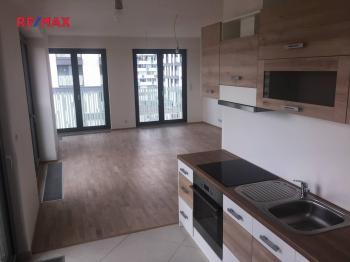 Obytná místnost s kuchyní - Prodej bytu 2+kk v osobním vlastnictví 76 m², Praha 3 - Žižkov