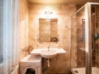 Koupelna - Prodej penzionu 736 m², Karlovy Vary