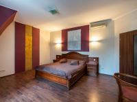 Pokoj - Prodej penzionu 736 m², Karlovy Vary