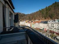 Výhled z balkonu - Prodej penzionu 736 m², Karlovy Vary